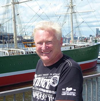 Verleger, Autor und Afrika-Reiseveranstalter Michael Iwanowski in Hamburg
