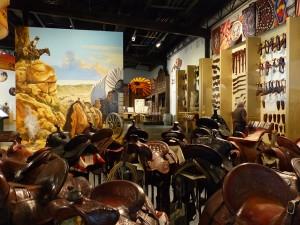 Cowboy Gear-Saddles im Scottsdale's Museum. iwanowski.blog