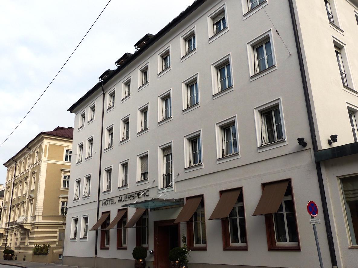 Entspannung mitten in salzburg hotel und villa auersperg for Salzburg design hotel