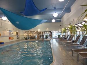 Chelsea Hotel Toronto Pool. iwanowski.blog