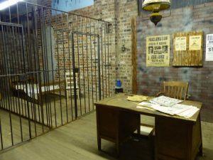 5-enidok-simpsonsoldtimemus-jail