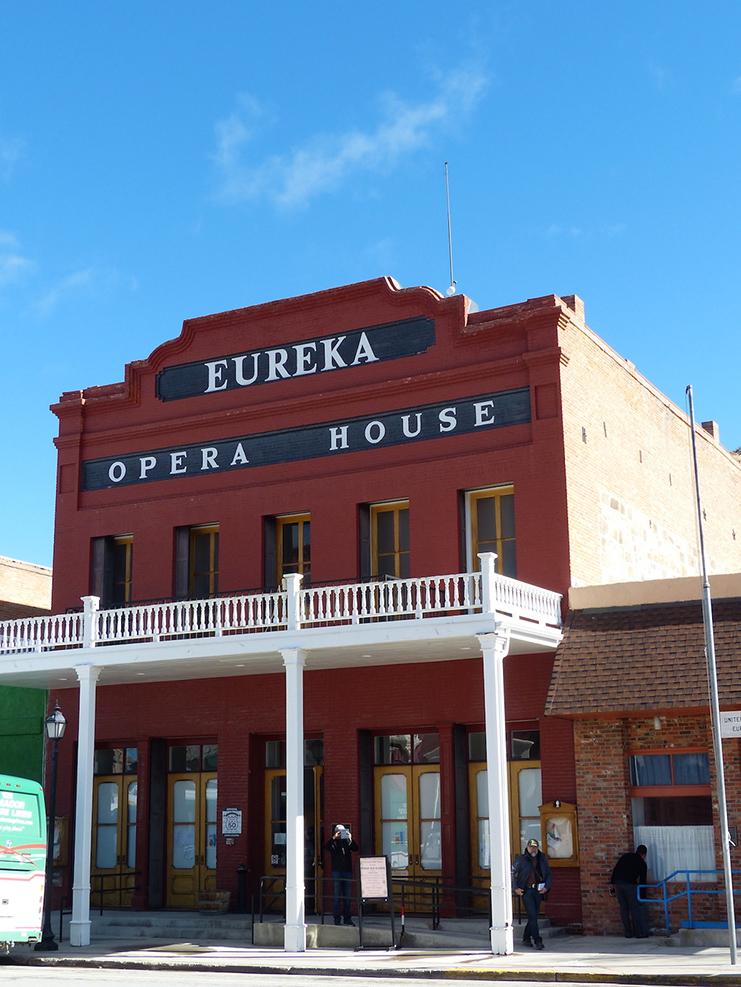 Reisetipp usa entlang des hwy 50 die loneliest road for Eureka house